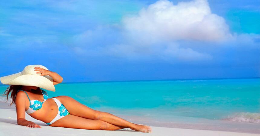 Какую косметику взять с собой на море?